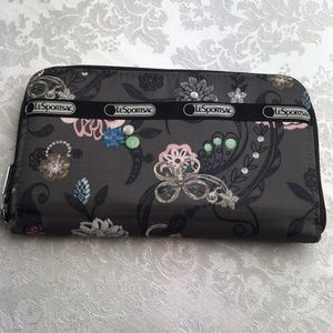 LeSportsac Lily Wallet in beautiful floral!